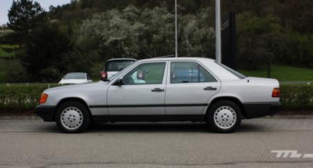 Mercedes Benz 300e 100