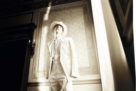 Dior Homme se mueve en el minimalismo también en la Primavera-Verano 2012: nueva campaña