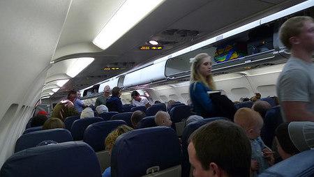 ¿Viajar en aviones separados?