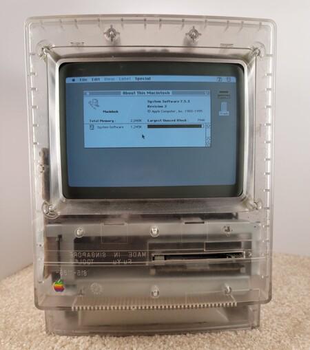 Aparecen imágenes de un prototipo de Macintosh con la carcasa transparente