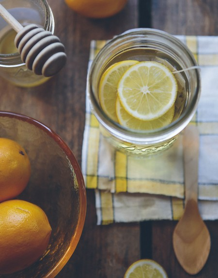 tomar agua con limon en ayunas por cuanto tiempo