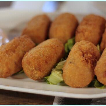 Sabrosas croquetas de cecina y boletus, receta para disfrutar del aperitivo