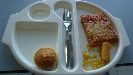 Lo mal que come una niña de nueve años en el colegio