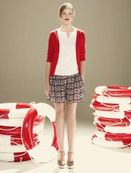 Blanco cardigan rojo