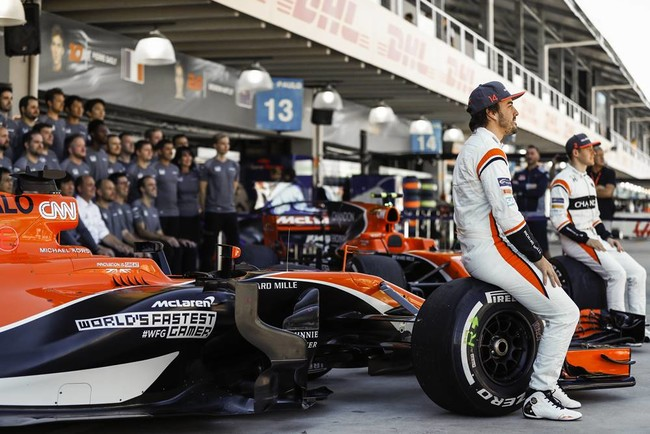 Fernando Alonso y McLaren se preparan para dar guerra en 2018, pero a medio gas