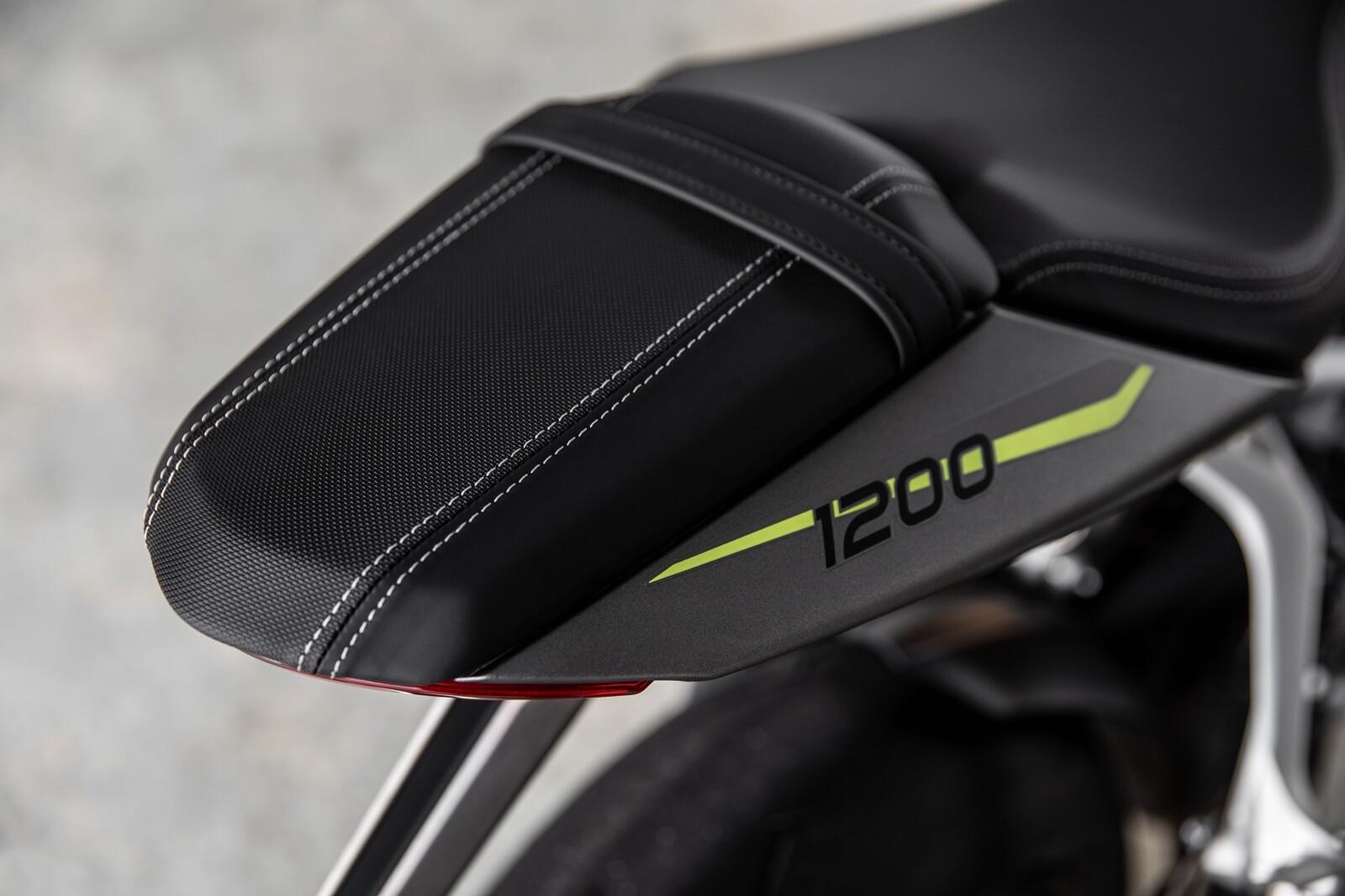 Foto de Triumph Speed Triple 1200 RS 2021 (59/71)