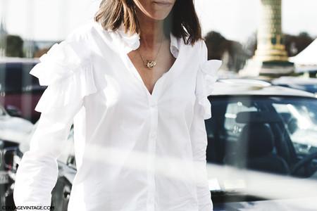 Doce maneras distintas de llevar camisa blanca esta temporada