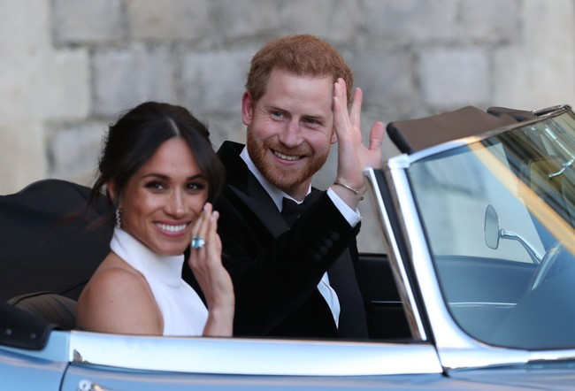 Meghan Markle luce en la recepción de su boda un anillo que perteneció a Diana
