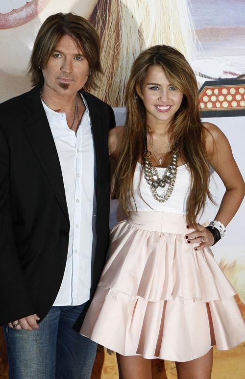 Foto de Miley Cyrus presenta la película de 'Hannah Montana' en Madrid (14/24)