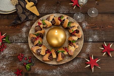Corona De Hojaldre Relleno De Chocolate Para Navidad
