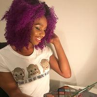 Miles de personas han visto a esta mujer pintar retratos de Rihanna con productos Fenty Beauty