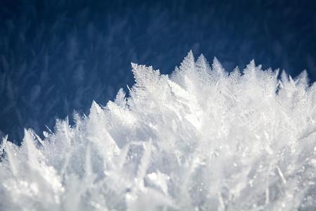 El hielo superiónico, líquido y sólido a la vez, puede existir, pero a 5.000ºC y una presión extremadamente alta