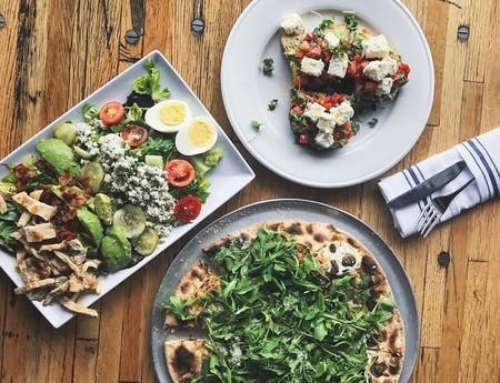 ¿Eres fanático de la pizza? He aquí 13 maneras distintas de comer este delicioso manjar