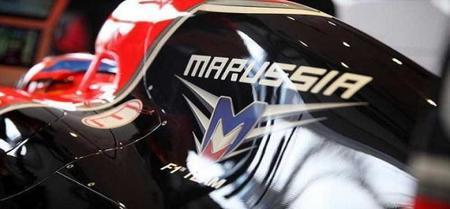 Entre Luiz Razia y Bruno Senna está el otro piloto de Marussia