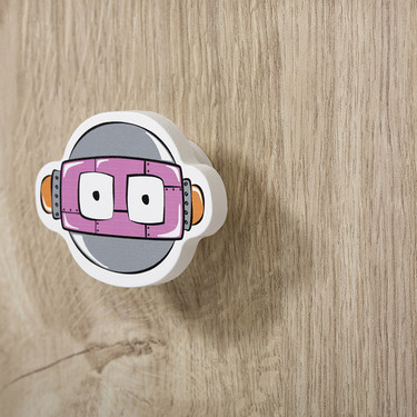 Una buena idea: tunea los muebles del dormitorio infantil con estos originales tiradores robot
