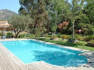Elegir el suelo de las piscina