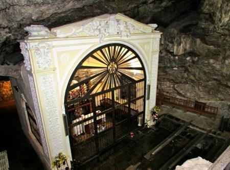 Virgen de la Cueva