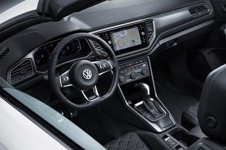 Volkswagen T Roc Cabrio Interior