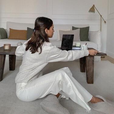 Zara Home, El Corte Inglés y La Redoute: 11 mantas de rebajas de lo más gustosas para teletrabajar en casa sin helarnos de frío