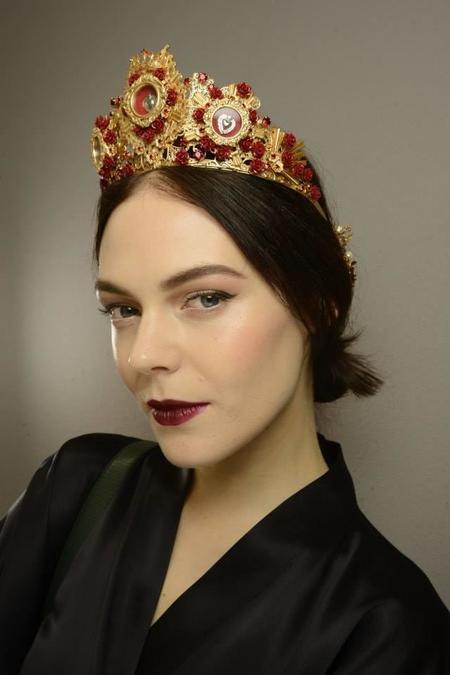 Labios burdeos: el arma de seducción de Dolce & Gabbana para la próxima temporada