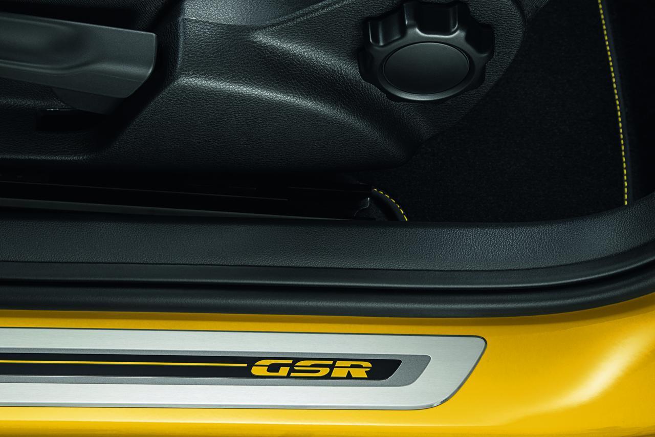 Foto de Volkswagen Beetle GSR (13/14)