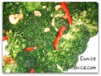 Brócoli con ajo y pimientos rojos. Receta saludable