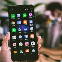 Pasarás casi 9 años de tu vida viendo la pantalla del smartphone, según estudio