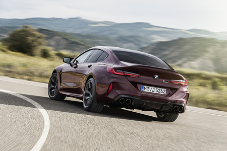 BMW M8 Gran Coupe 2020 trasera lateral