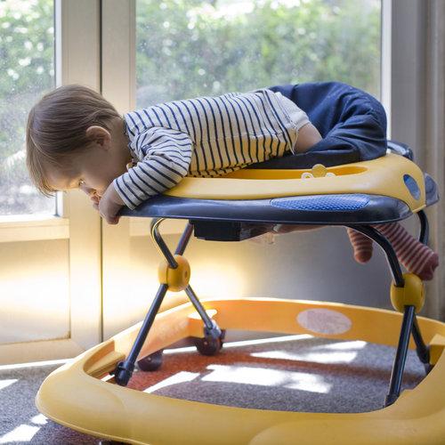 Los pediatras piden que se prohiban los andadores: 9.000 bebés al año sufren lesiones por su uso en EE.UU.