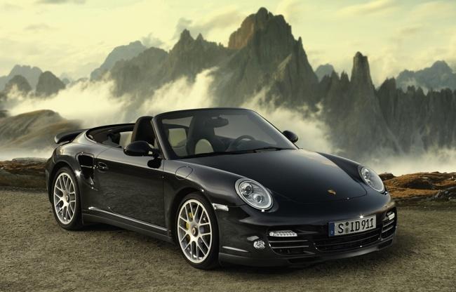 Porsche 911 Turbo S Cabriolet negro