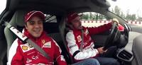 Fernando Alonso y Felipe Massa se divierten con el Ferrari 458 Italia