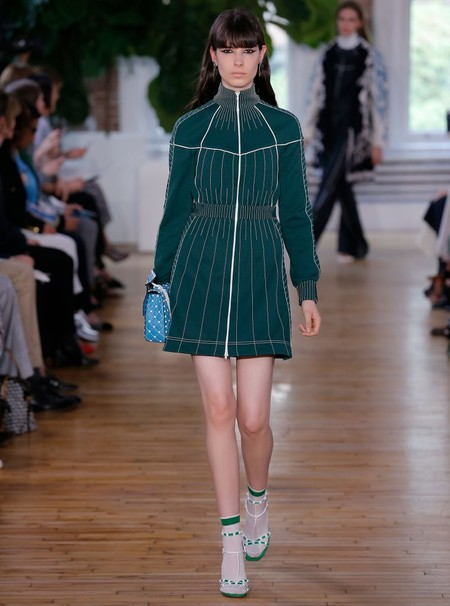 Valentino Resort 2018 Fashion Show The Impression 04 760x1024