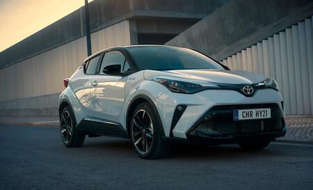El Toyota C-HR es un SUV híbrido que se vende por 200 euros al mes, pero ¿cuál es la letra pequeña?
