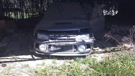 Mitsubishi Lancer EVO IV abandonado
