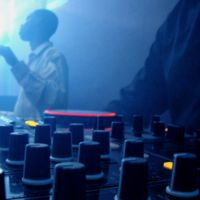 """Apple Music se adelanta a la competencia incluyendo los """"remixes"""" de las canciones"""