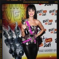 Katy Perry y Hello Kitty juntas para el Hortera de Bolera