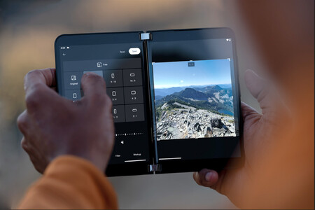 Microsoft Surface Duo 2 Cameras 03