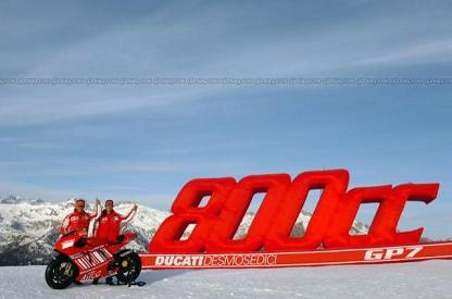 Ducati presenta la Desmosedici oficialmente