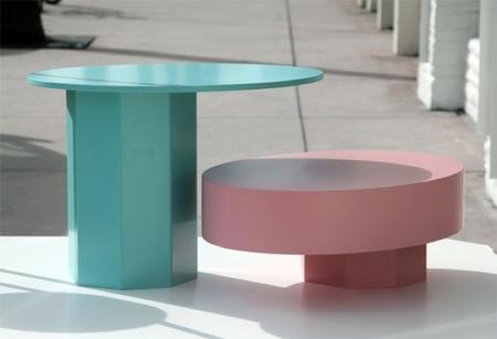 Table in Wonderland y familia, muebles de colores para la tienda de Benetton en Miami