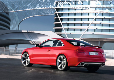 Audi RS5 lateral y trasera