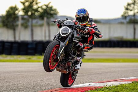 Ducati Monster 2021 3
