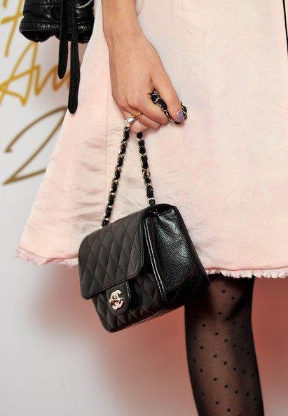 Alexa Chung bolso Chanel