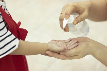 Los geles con alcohol pueden causar intoxicación si no se usan correctamente: cómo aplicarlos para un uso seguro y efectivo