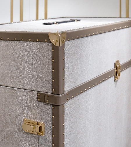 Jimmy Choo 20th Anniversary Limited Edition Shoe Trunk 02