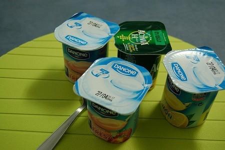Se aprueba eliminar la fecha de caducidad de los yogures, ahora es ´consumir preferentemente`