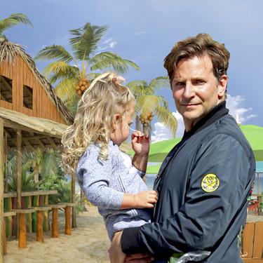 Malibu con niña: así están disfrutando las shallow-vacaciones familiares Bradley Cooper y ¿su nueva novia estrella?