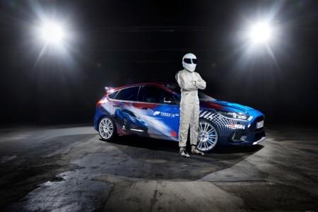 ¡The Stig reaparece! Pero esta vez desde Alemania, en el Gamecon y junto a un Focus RS
