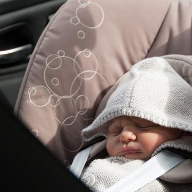 Unos padres olvidan accidentalmente a su recién nacido en el taxi que los llevó a casa desde el hospital