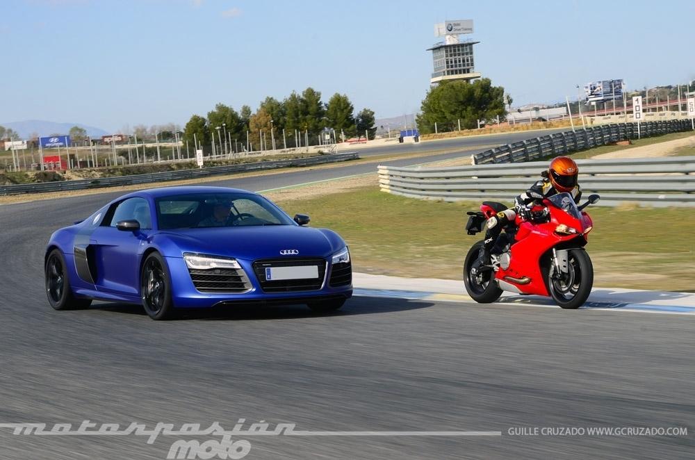 Foto de Ducati 899 Panigale Vs Audi R8 V10 Plus (16/24)