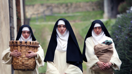 'The Little Hours', tráiler para adultos con Alison Brie y Aubrey Plaza como monjas obscenas